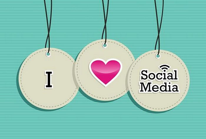 7 tips for getting into the social media industry